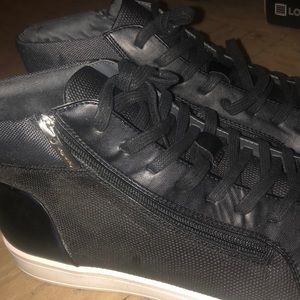 5e2e34710c0e3 Men's Calvin Klein High Top Sneakers